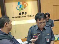 Kepala Badan Pusat Statistik (BPS) Jawa Tengah, Margo Yuwono saat diwawancarai wartawan.