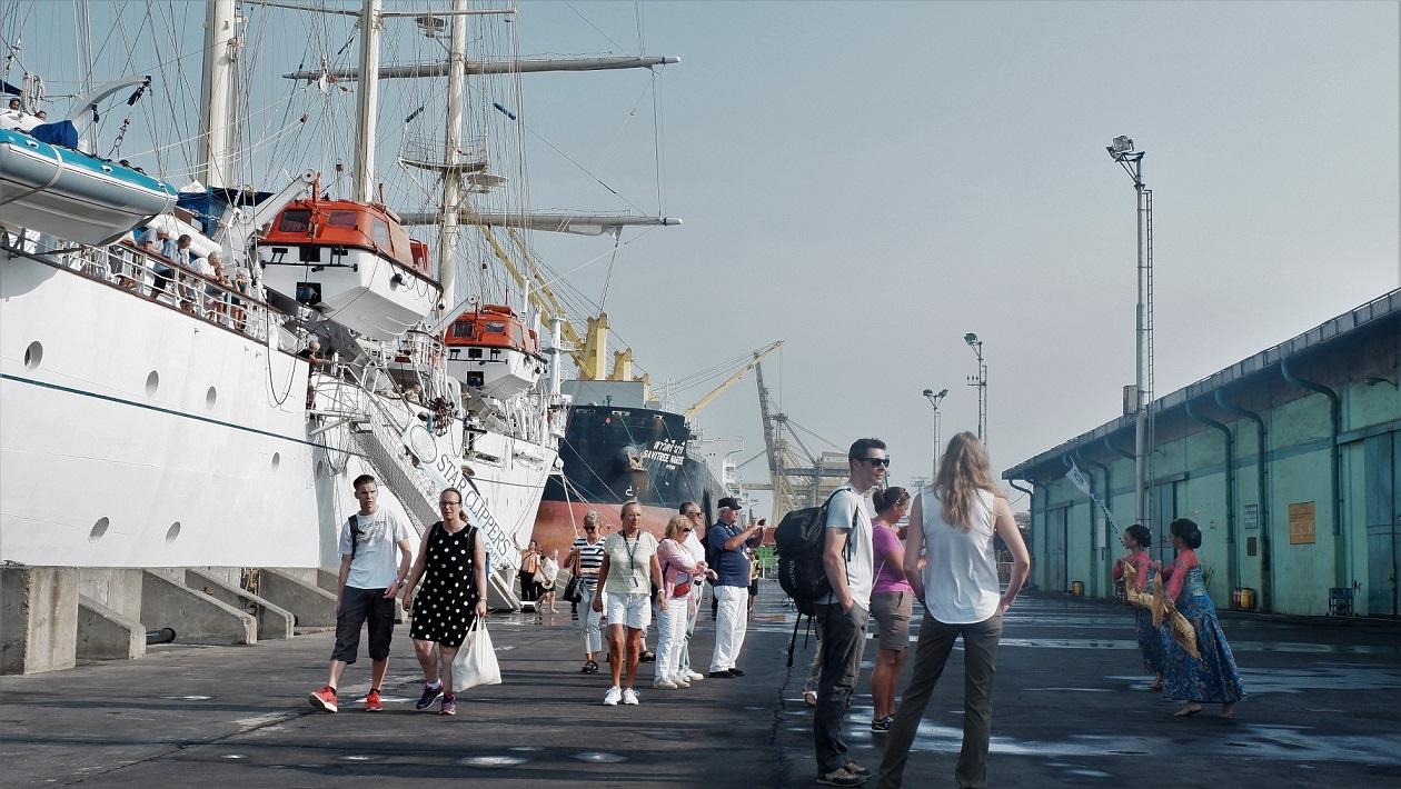 Kapal Pesiar Star Clipper kembali singgah di Tanjung Emas pada Jumat 19 Oktober 2018.