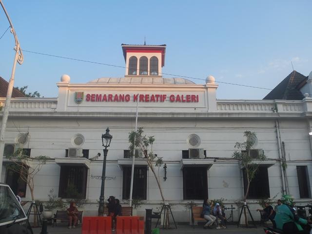 Galeri Kreatif Semarang di Kawasan Kota Lama Semarang. (Dimitri Janitra/ Serat.id)