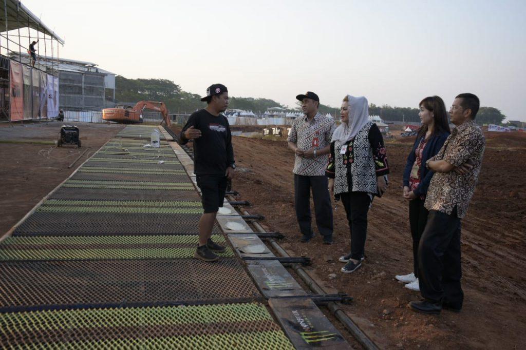 Wakil Walikota Semarang, Hevearita Gunaryanti Rahayu (Ita)  ketika meninjau kesiapan arena MXGP of Asia seri ke-12 di Mijen, Kamis, 11 Juli 2019.
