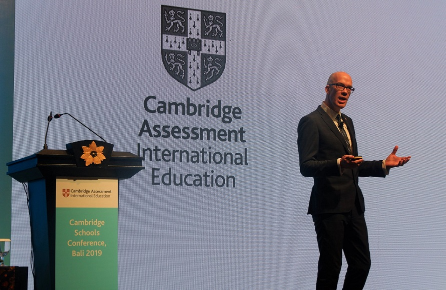 Tristian Stobie, Director of Education, Cambridge International, menyampaikan kata sambutan pada Cambridge Schools Conference di Bali Nusa Dua Convention Center, 9 Desember 2019.